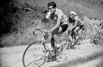 1919: The Birth of the Yellow Jersey | Top 10 Tour de France ...