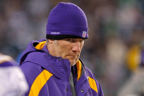 Vikings' Favre watches from the sidelines during NFL football game against the Eagles in Philadelphia
