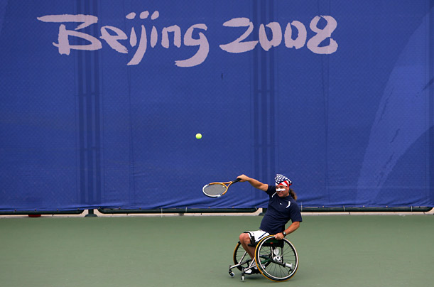 Lee Hinson playing wheelchair tennis