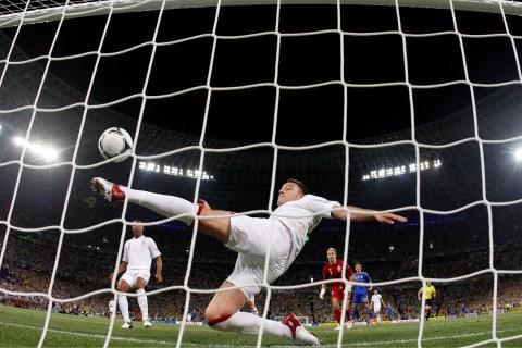 Euro2012_9_goal_line_tech
