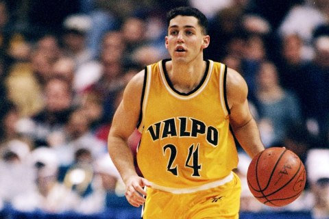 Guard Bryce Drew of the Valparaiso Crusaders in action against the Rhode Island Rams during an NCAA tournament game at the Kiel Arena in St. Louis, March 20, 1998.
